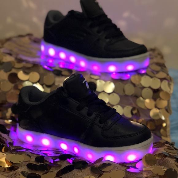 a644b9bd5 Skechers Shoes | Girlsboys Light Up Sneakers | Poshmark